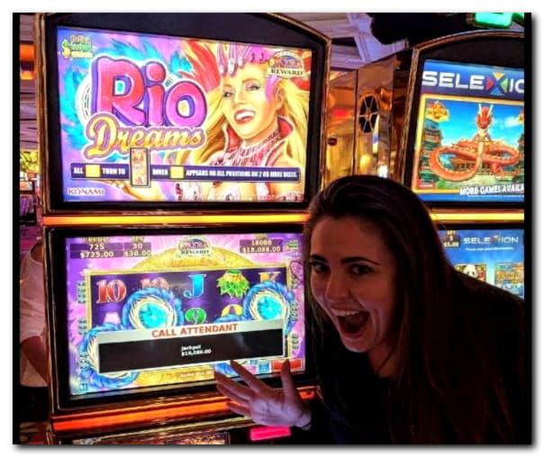 €3720 No deposit bonus casino at Royal Dubai Casino